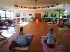 Van vrijdag 8 tot donderdag 14 juni 2018  organiseert Loes van Beest weer een Yoga reis bij PtitMonde. Kijk op www.yogaencoach.nl